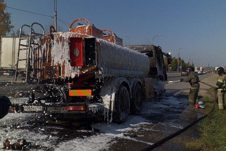 Бензовоз сгорел на объездной дороге в Ново-Ленино