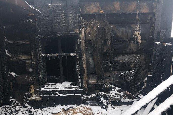 Жителя Аларского района приговорили к 18 годам колонии за убийство сожительницы и поджог ее дома