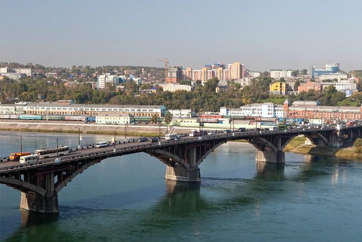 В Иркутске ограничат движение автотранспорта по Глазковскому мосту