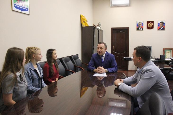 Выпускницы школ Иркутского района будут учиться в ВУЗе по договорам целевого обучения