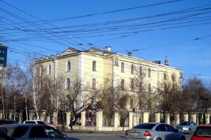 Роспотребнадзор назвал причину массового отравления детей в православной гимназии Иркутска
