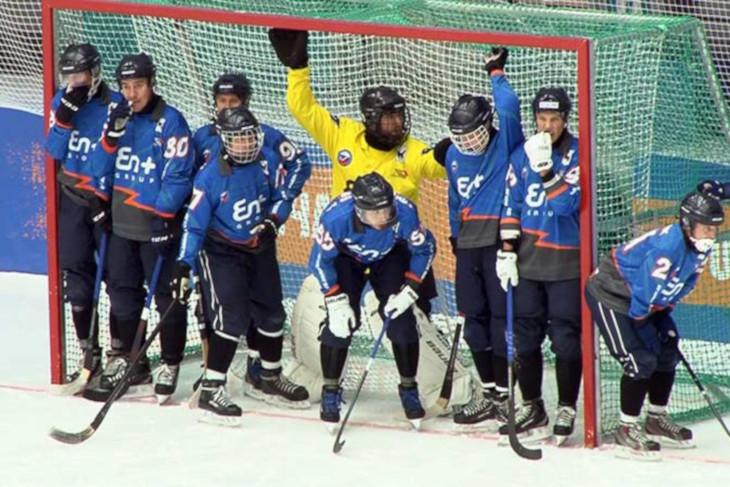«Байкал-Энергия» стартовала с победы на Кубке России по хоккею с мячом