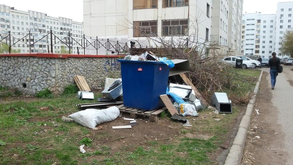 «Разговор глухого со слепым»: Радий Хабиров высказался об установке мусорных контейнеров в Башкирии