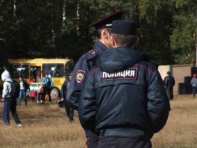 Жителю Башкирии назначили 200 часов обязательных работ за оскорбление полицейского