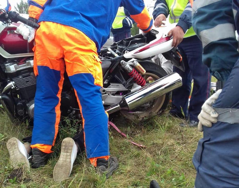 В Башкирии подножка мотоцикла насквозь проткнула ногу девушки