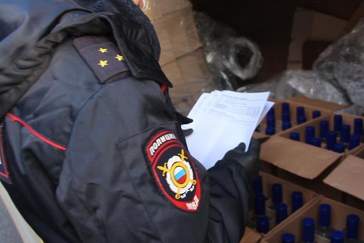 Десять тысяч литров нелегального алкоголя изъяли в Иркутской области