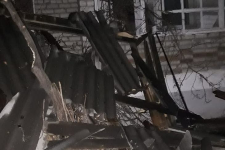 В Иркутской области пострадавшие от урагана здания восстановят за счет резервного фонда