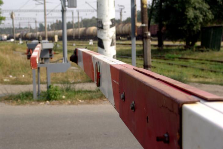12 октября в Култуке закроют движение автомобилей через железнодорожный переезд
