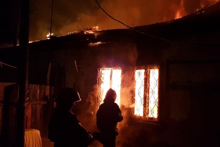 В Ангарске жильцам сгоревшего дома предоставят временное жилье