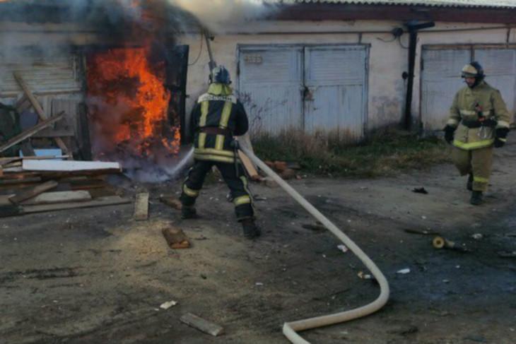 В Братске два человека получили ожоги при взрыве газового баллона