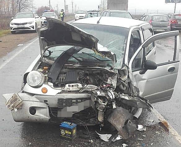 В Башкирии в лобовом столкновении автомобилей погиб водитель