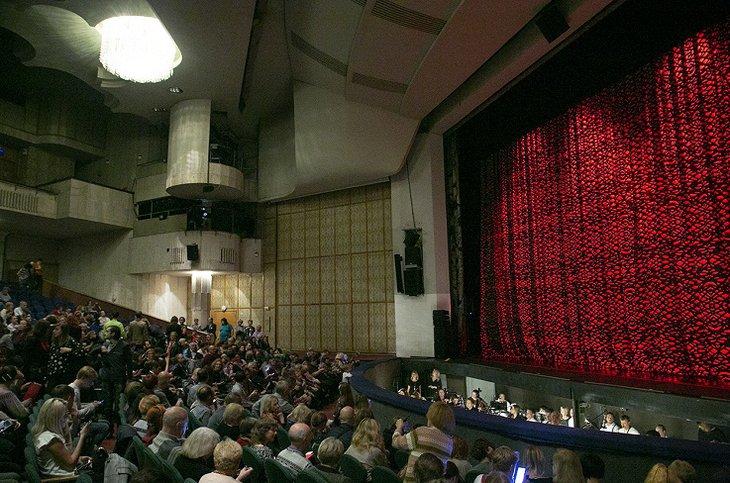 Иркутский музтеатр имени Загурского представил спектакль «2 королевы» на фестивале в Москве