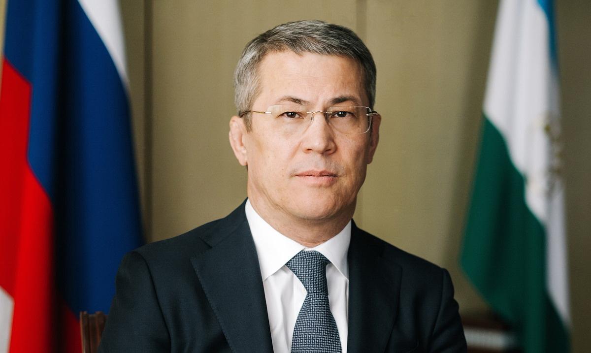 Радий Хабиров поздравил жителей Башкирии с Днем Республики