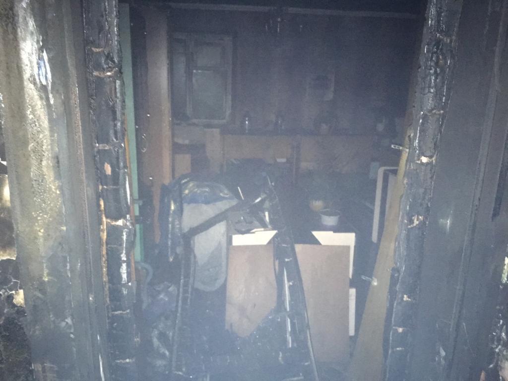 В Уфе из горящего дома спасли троих детей
