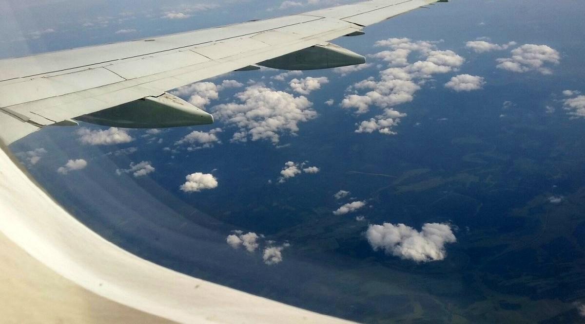 Самолет с уфимскими пассажирами совершил экстренную посадку