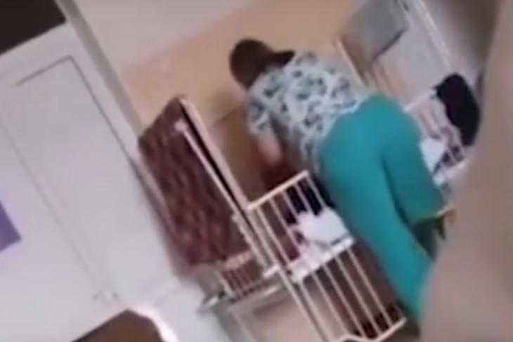 В Иркутской области медсестру детского дома-интерната подозревают в истязании ребенка