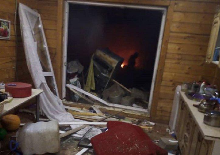 Газовый баллон взорвался в жилом доме в Хомутово вечером 19 ноября