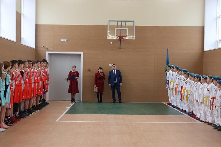 В школе села Оек открыли спортивный зал