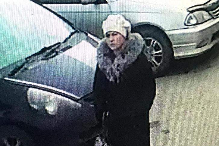 В Иркутске разыскивают подозреваемых в хищении денег у 84-летней пенсионерки