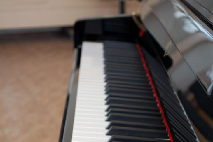 58 пианино получит Иркутская область для детских школ искусств