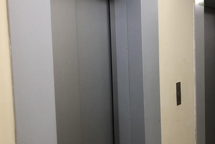 В Усть-Илимске Фонд капремонта не принял лифты, установленные ООО «Звезда»