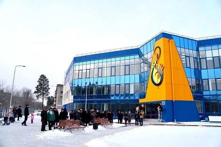 В Саянске построили школу искусств за 244 миллиона рублей
