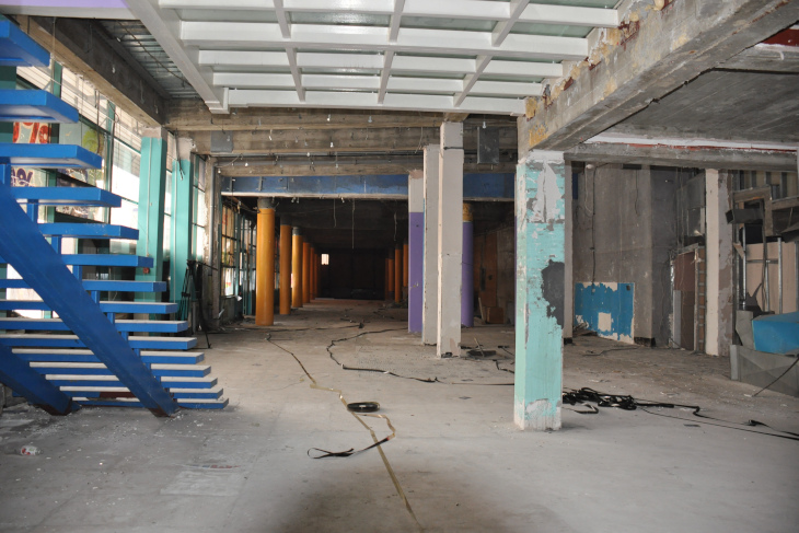 Депутаты думы Иркутска проверили техническое состояние бывшего кинотеатра «Чайка»