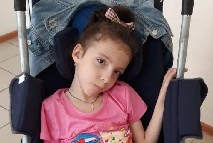 Девятилетней Насте Гращенко с ДЦП требуется помощь для прохождения курса терапии