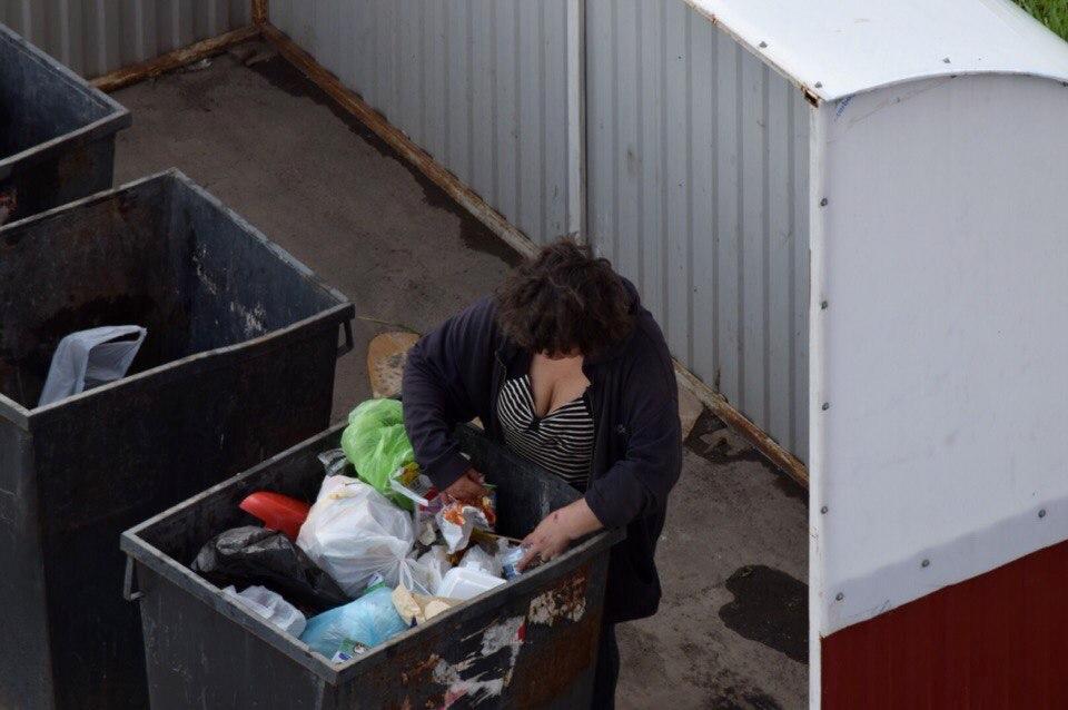 Бесплатная ночлежка, свалка или банкоматный зал: Как выживают бомжи в Уфе зимой и куда им можно обратиться