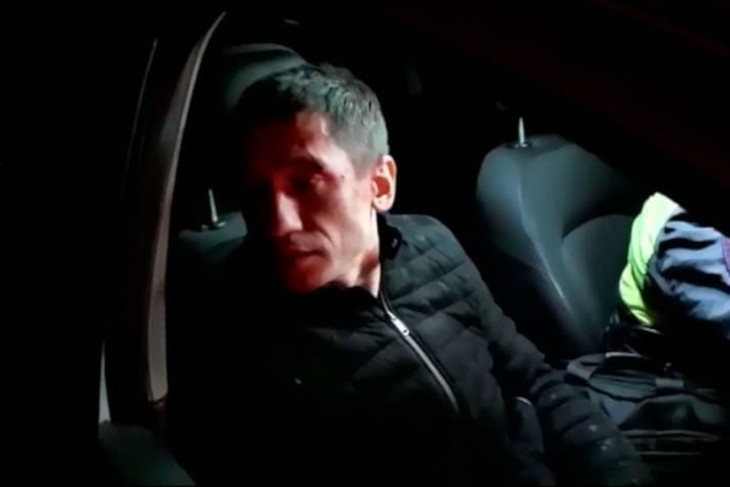 СМИ: сын экс-чиновника мог находиться за рулем Mercedes, врезавшегося в Александра Третьего