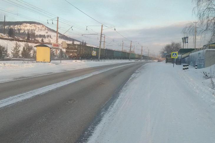 В Усть-Куте неизвестный водитель сбил школьницу и скрылся