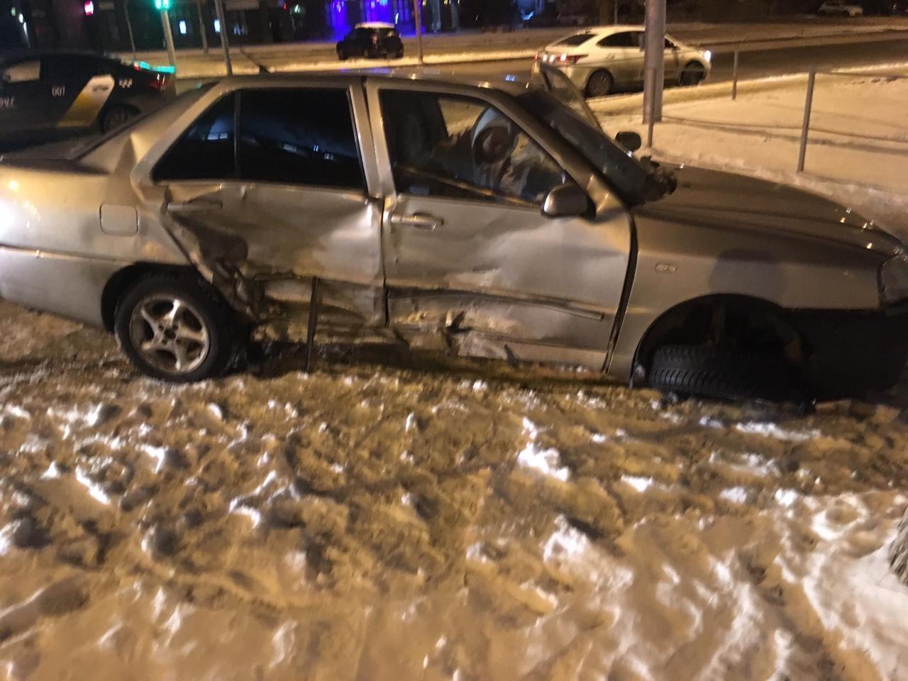 Пьяный уфимец на иномарке протаранил машину