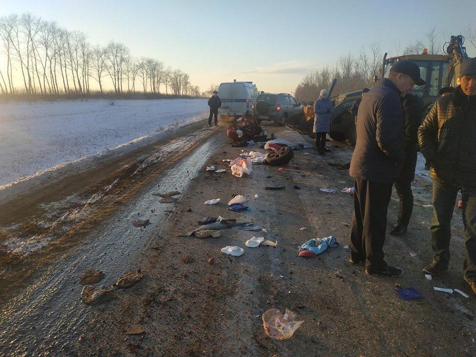 В Башкирии в аварию попала семья с двумя детьми – Один ребенок погиб