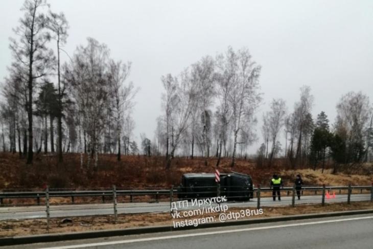 Под Ангарском водитель погиб после опрокидывания автомобиля