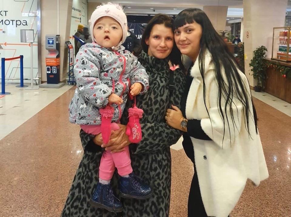 Двухлетняя Соня Гизатуллина с необычной внешностью из Башкирии полетела на операцию в Израиль