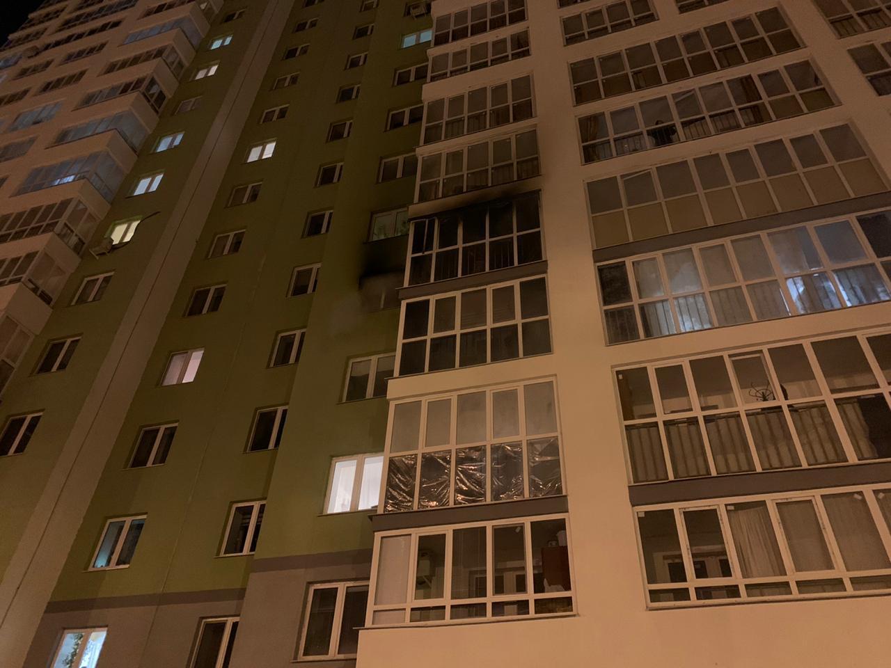 В Уфе горела квартира в многоэтажке: Эвакуировано 70 человек