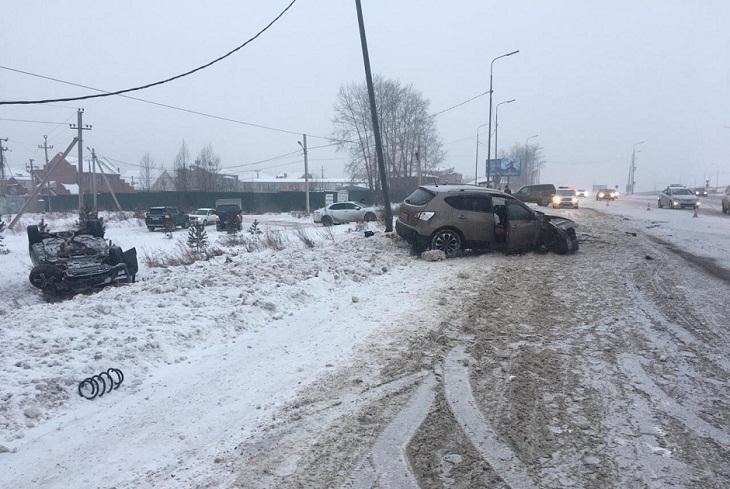 Nissan и Mercedes столкнулись в районе Ново-Разводной