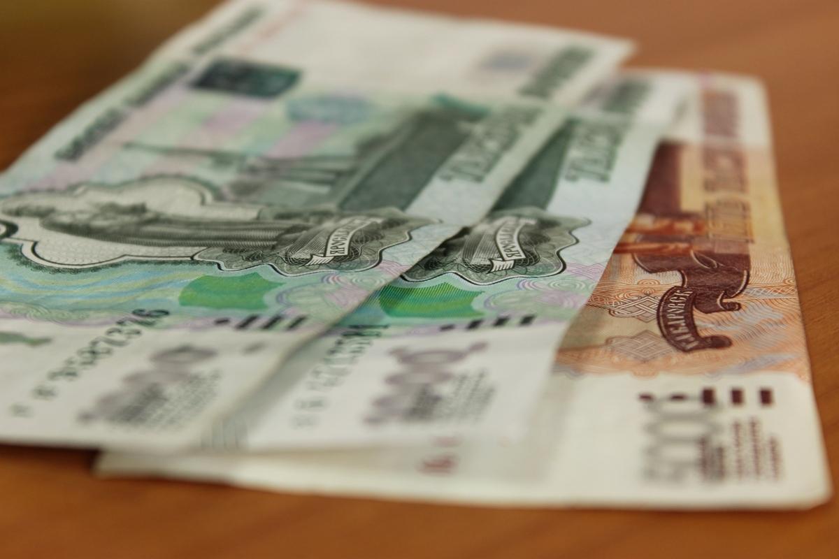 Радий Хабиров озвучил период, в который жители Башкирии ощутят повышение зарплат