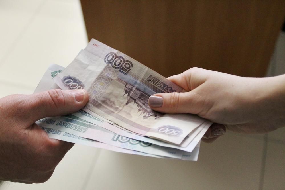 Сотрудника правительства РБ задержали при получении взятки в 3 млн рублей