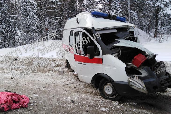 Водитель скорой помощи и фельдшер погибли в ДТП в Шелеховском районе