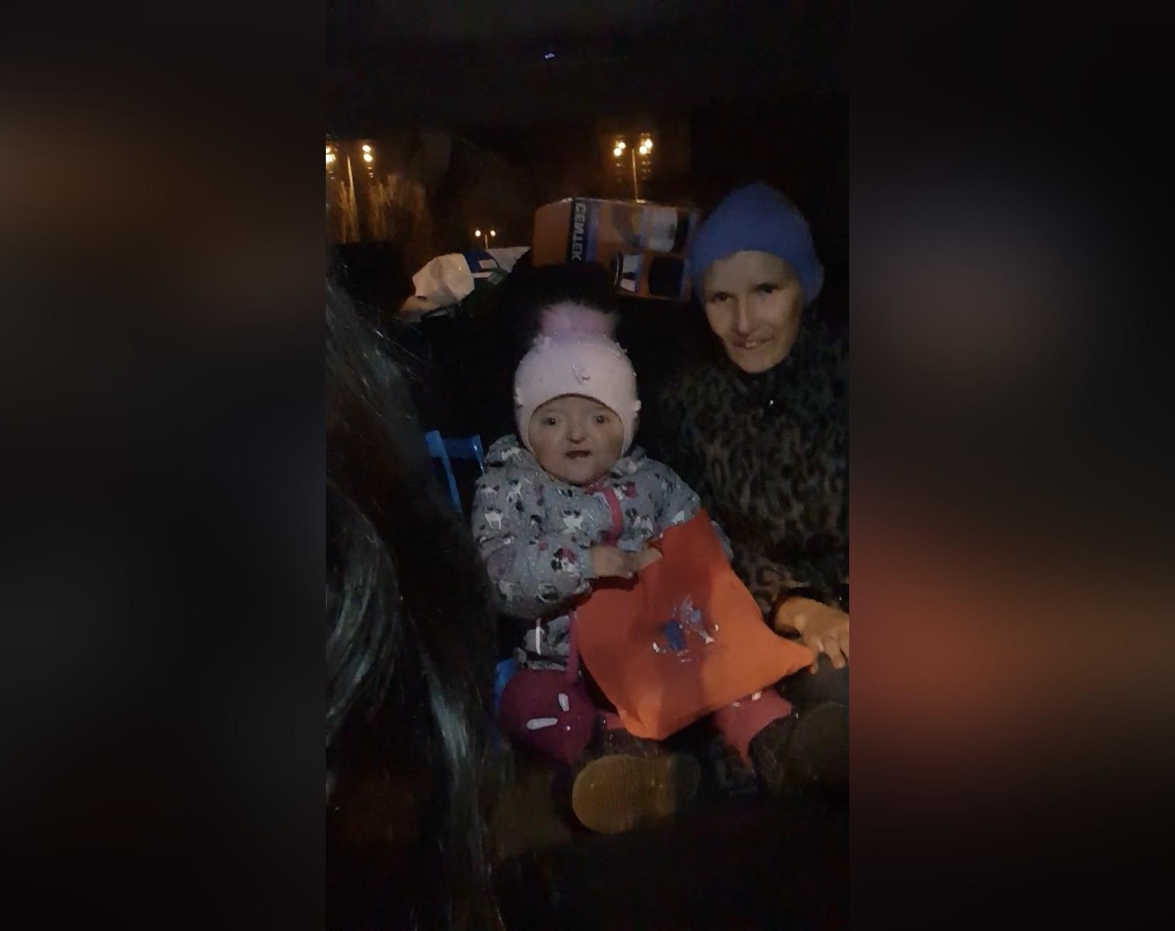 Двухлетняя Соня Гизатуллина прилетела домой в Башкирию
