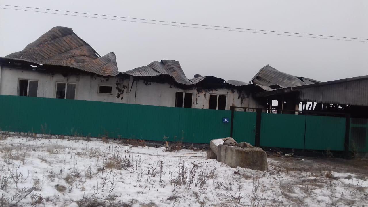 В Башкирии сотрудники Росгвардии вытащили из горящего дома трёх человек