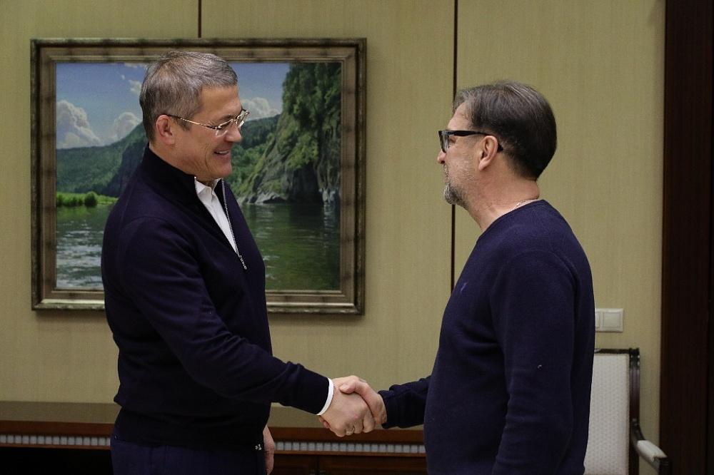 Глава Башкирии встретился с лидером «ДДТ» Юрием Шевчуком для разговора в неформальной обстановке