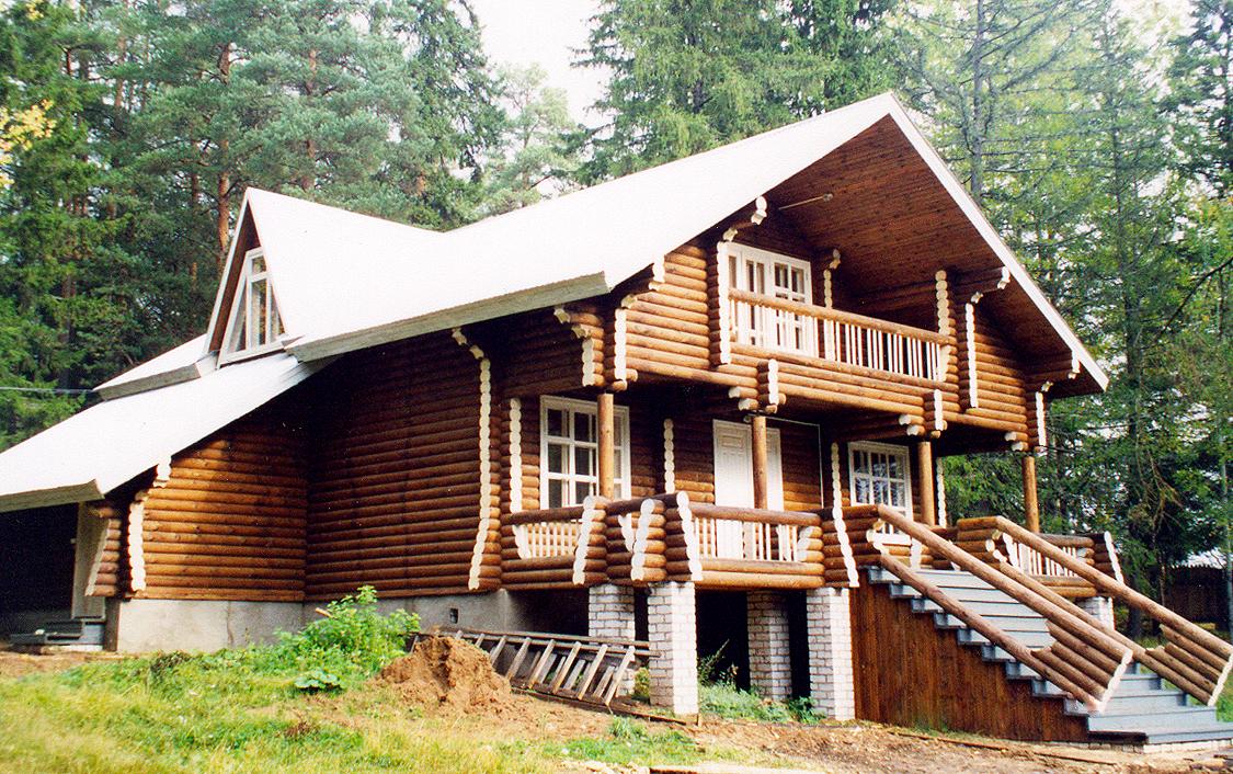Дома из настоящего дерева