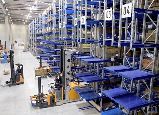 Оборудование и техника для складов